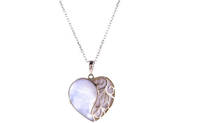 heart pendant mother of pearl pr low