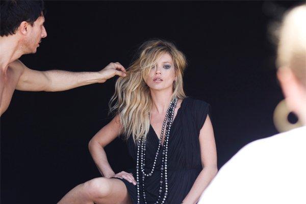 Garance-Dore-Captures-Behind-Scenes-David-Yurman-Fall-2010-Campaign-Featuring-Kate-Moss