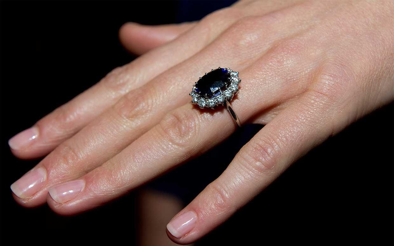 Princess Diana's engagement ring worn by Princess Kate Middleton