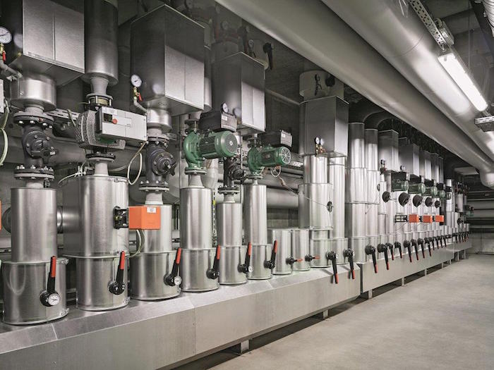 A. Lange & Sohne has implemented one of the largest geothermal plants in its new workshops to control air quality and temperature year round without using outside energy and staying carbon free.