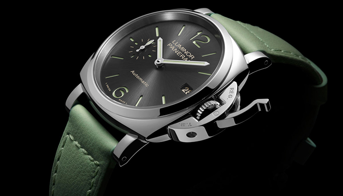 A closer look at the crown of the Panerai Luminor Due Collection
