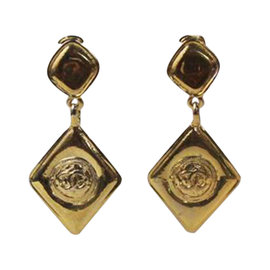 Chanel Gold Diamond Shaped Dangle Clip On Drop Earring