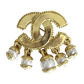 Chanel Gold Tone Hardware with Simulated Glass Pearl Interlocking CC Logo Vintage Pin Brooch