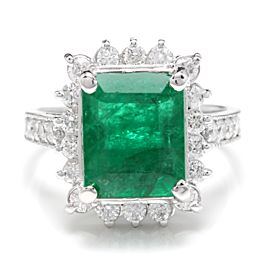 14K White Gold with 4.20ct Emerald and 0.90ct Diamond Ring Size 7