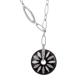 Nouvelle Bague 18K White Gold Diamond Daisy Pendant Necklace