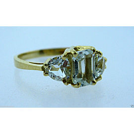 14K YELLOW GOLD CLEAR STONE LADIES RING SIZE 8