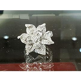 Fine Estate 18k White Gold Flower Diamonds app. 2.25ct Ladies Ring Size 8.5