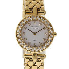 Van Cleef & Arpels Classique 5212503 18K Yellow Gold Diamond 24mm Womens Watch