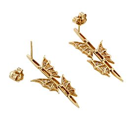 Stephen Webster 3017208 Metal: Yellow Gold Weight: Total Weight 6.8 Grams, Individual Earring Weight 3.4 Grams Stones: Diamond Signatures: Stephen Webster Included Items: Manufacturer's Box Yellow Gold Diamond Womens Earrings