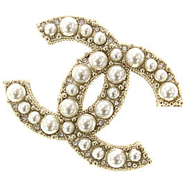 Chanel Gold Tone Metal with Simulated Glass Pearl Pin Brooch