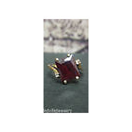 14K YELLOW GOLD LADIES RED STONE RING SIZE 4.5