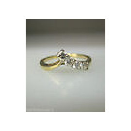 14K Yellow Gold Ladies Diamond Ring Size 6.75