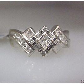 14K WHITE GOLD LADIES DIAMOND RING SIZE 7.25