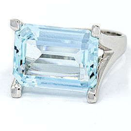 8.50 Carat 14k White Gold Aquamarine Cocktail Ring