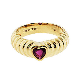 TIFFANY & CO Ruby heart ring in 18k yellow gold size 6.5