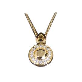 Carrera y Carrera 18K Gold and Diamond Pendant Necklace