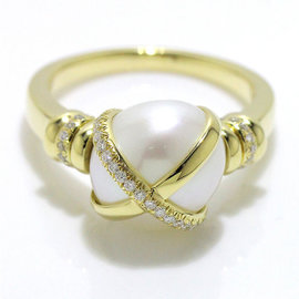 18K Yellow Gold with Pearl & Diamond Ring Size 8
