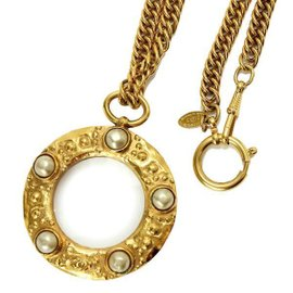 Chanel Gold Tone Hardware with Fake Pearl Loupe Necklace