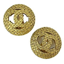 Chanel - Excellent - Woven CC Logo Large - Gold Tone - Clip On Earrings