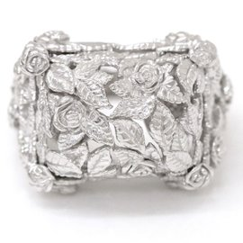 Carrera y Carrera 18K White Gold Rose Motif Ring Size 8