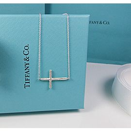 Tiffany & Co. Paloma Picasso Sterling Silver Hammered Cross Pendant Necklace