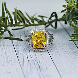 White Gold Cocktail ring w/ center 7.60ct Cushion cut Citrine & 1.25ct TCW Dia