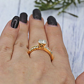 14k Yellow Gold engagement Ring Features Round Cut White Diamonds TCW 0.50ct