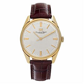 IWC Vintage Collection R810 Gold 33.0mm Watch