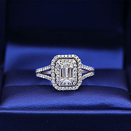 Great 18k White Gold Engagement Ring with 1.75ct. Total Diamonds