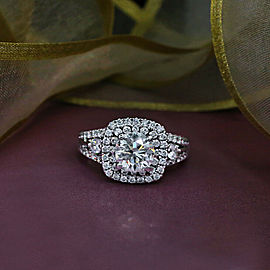 18k White Gold Cocktail Ring with 2.61 ct. Total Diamond Weight
