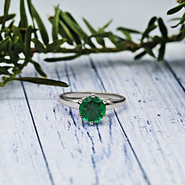 White Gold Fashion Solitaire Ring with 1.25ct Round cut Simulated Green Emerald