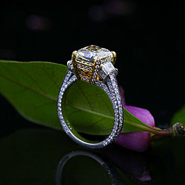 Amazing Platinum and 18k Yellow Gold Cocktail Ring with 5.04 TCW Diamonds