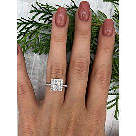 Amazing 18k White Gold Engagement Ring with 1.55ct. Diamonds