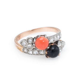 14K Yellow Gold with 0.35ct. Diamond Coral and Onyx Ring Size 5.5