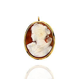 Carved Shell Cameo Brooch Pendant in Gold