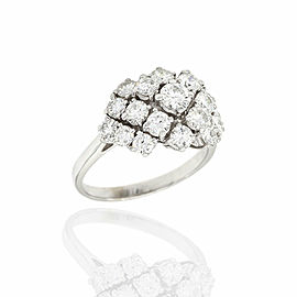 Round Diamond Cluster Ring in Gold