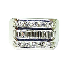 14K White Gold Round Baguette Cut Diamond Ring