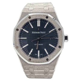 Audemars Piguet Royal Oak 15410BC.GG.1224BC.01 18K White Gold Automatic 41mm Mens Watch
