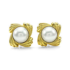 White Rose Mabe Pearl Pinwheel Clip-on Earrings in 18K Yellow Gold