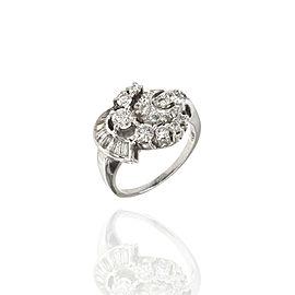 0.97ctw Diamond Cluster Ring in Platinum