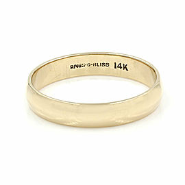 Gentlemans Wedding Band Ring in Gold