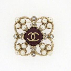 Chanel Gold Tone Hardware with Faux Pearl and Rhinestone Brooch