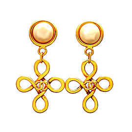 Chanel CC Gold Tone Glass Simulated Pearl Vintage Earrings