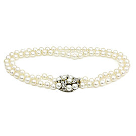 Pearl Necklace with Diamond Clasp in Gold