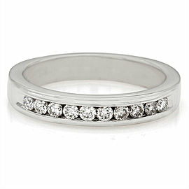 Single Row Diamond Ring in Gold