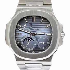 Patek Philippe Nautilus 5712/1A-001 Stainless Steel Automatic 40.5mm Mens Watch