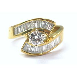 18Kt Round & Baguette Shape Diamond Engagement ByPass Jewelry Ring 1.46CT F-VS1