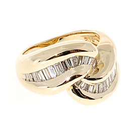Vintage 14K Yellow Gold with 0.70ct Baguette Diamond Swirl Ring Size 5.5