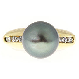 Vintage 18K Yellow Gold with Pearl and Diamond Ring Size 6.25
