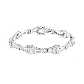 Superior Craftsmanship Figure Eight 18k White Gold Diamond Bracelet